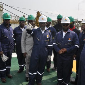 Wale Tinubu With Rig Workers
